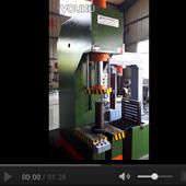 单柱式定子压装翻转机工作视频